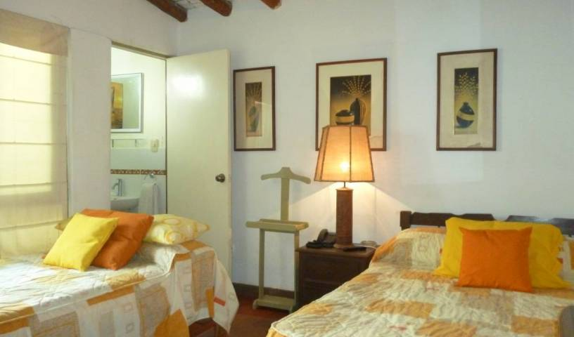 Hostal Merlin Punta Hermosa - Search for free rooms and guaranteed low rates in Punta Hermosa 12 photos