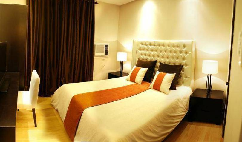 Le Mirage - Search available rooms and beds for hostel and hotel reservations in Manila 15 photos