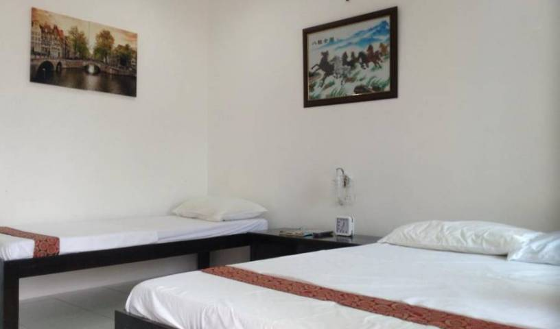 Moalboal Tropics - Get cheap hostel rates and check availability in Moalboal 21 photos