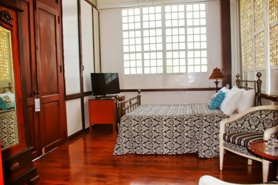 Paradores del Castillo, Taal, Philippines, Reserve albergues únicos ou hotéis baratos e experimente uma cidade como um local dentro Taal