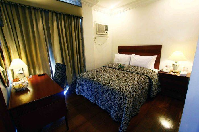 VIP Suite Apartelle, Makati, Philippines, youth hostels and backpackers hostels in tropical destinations in Makati