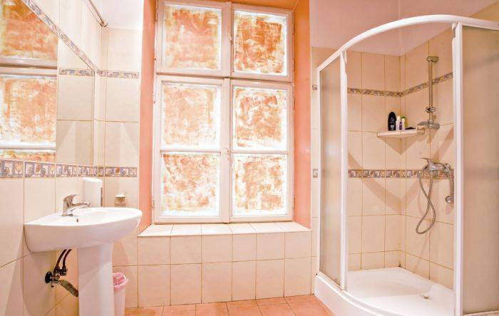 Nathan's Villa Hostel, Krakow, Poland, reviews about Instant World Booking in Krakow