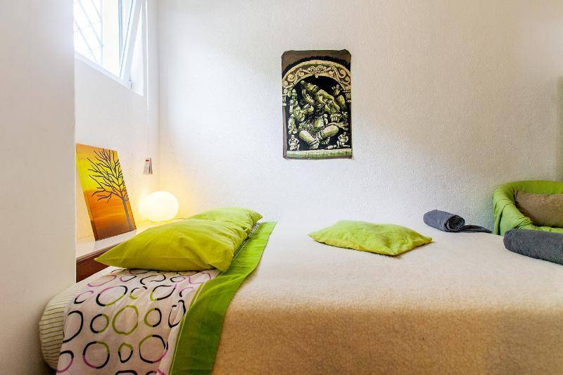 Backpackers Hostel Portugal, Cascais, Portugal, find hotels with restaurants and breakfast in Cascais