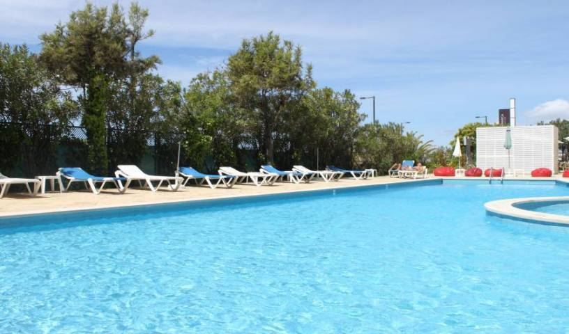 Ever Caparica Beach and Conference Hotel - Search available rooms for hotel and hostel reservations in Costa de Caparica, cheap hotels 5 photos