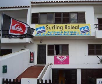 Surfing Baleal - Surf Camp and School, Baleal, Portugal, Portugal hotely a ubytovny