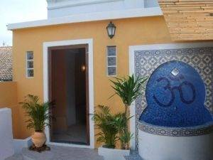 The Monkeyhouse, Lagos, Portugal, easy travel in Lagos