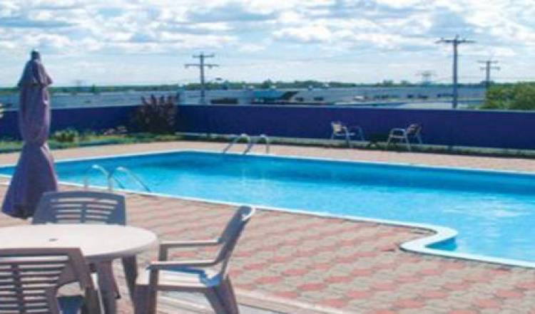 Auberge La Rocaille - Get low hotel rates and check availability in Shawinigan 3 photos
