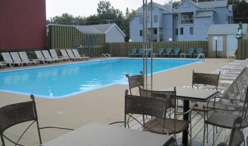 Holiday Villa Resorts At Monte Ste Anne - Search for free rooms and guaranteed low rates in Beaupre, first-rate vacations 21 photos