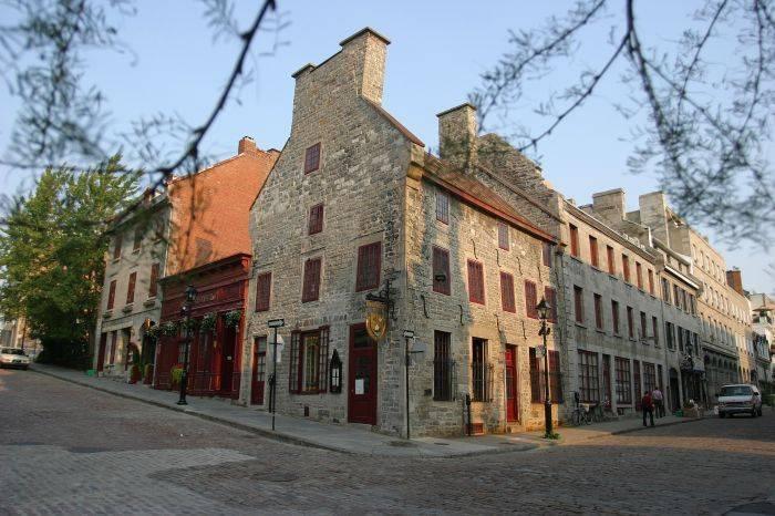 Hotel Pierre Du Calvet, Montreal, Quebec, Quebec hotels and hostels