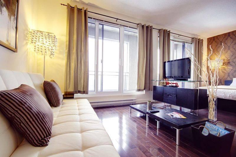 Topaze, Montreal, Quebec, Quebec hotels and hostels