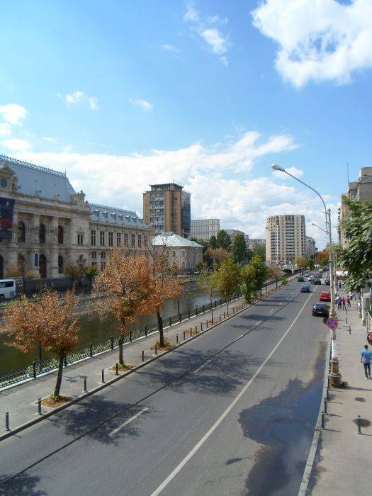 Antique Hostel, Bucuresti, Romania, where to rent an apartment or aparthotel in Bucuresti