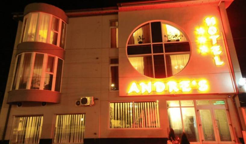 Andre's Hotel, cheap deals 10 photos