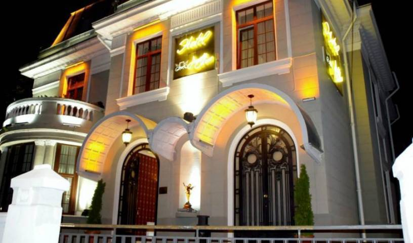 Hotel Angelo d'Oro - Get low hotel rates and check availability in Ploiesti 27 photos