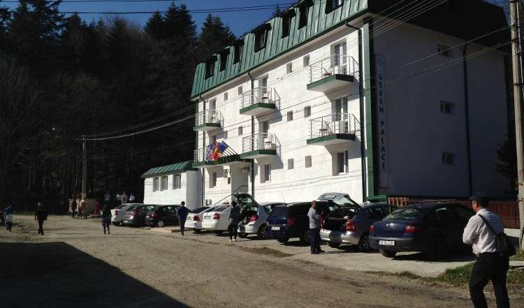 Hotel Green Palace - Get low hotel rates and check availability in Sinaia 4 photos