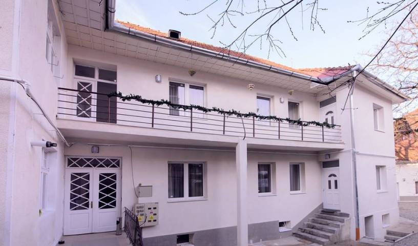 Rent For Comfort Apartments - Search available rooms for hotel and hostel reservations in Poiana Brasov, where to stay, hotels, hostels, and apartments in Bran, Romania 17 photos