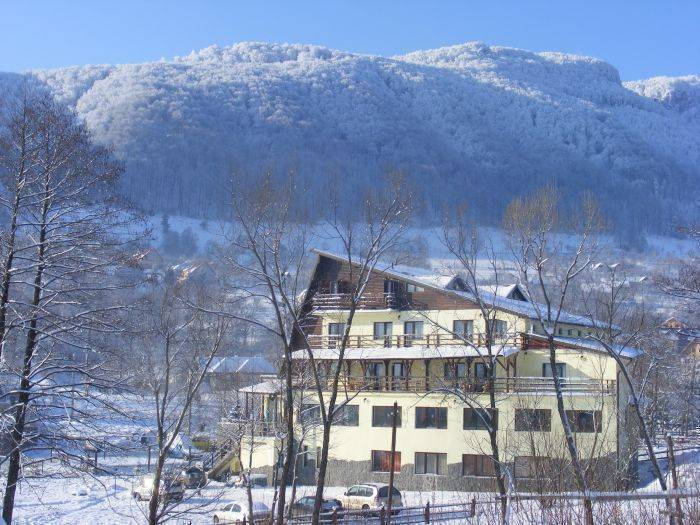 Hotel Bran Belvedere, Bran, Romania, cool hostels for every traveler who's on a budget in Bran
