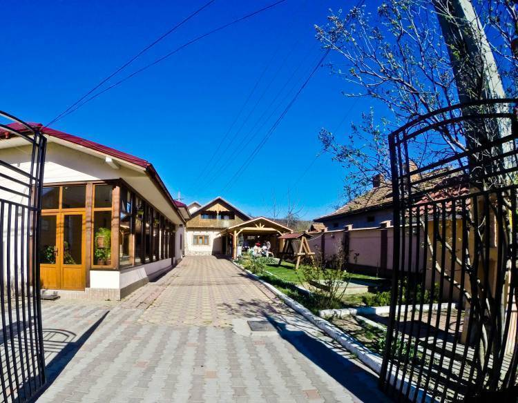 Vila Speranta, Plescoi, Romania, Romania hotels and hostels