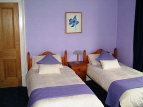 Fernlea Guest House, Stranraer, Scotland, hostels, backpacking, budget accommodation, cheap lodgings, bookings in Stranraer