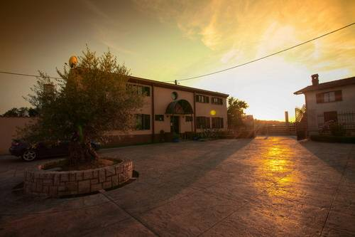 Hostel Stara Sola Korte, Korte, Slovenia, we compete with the world's best travel sites, book the guaranteed lowest prices in Korte