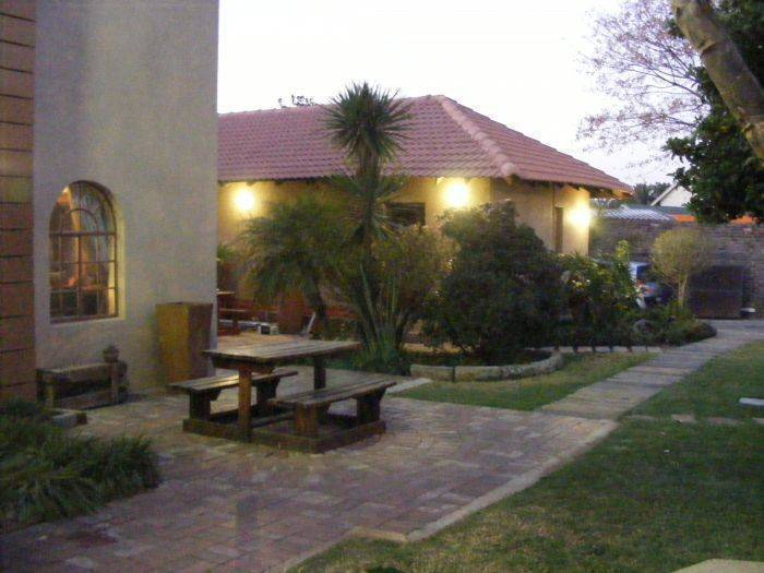 Africa Footprints Guesthouse, Johannesburg, South Africa, South Africa hotels and hostels