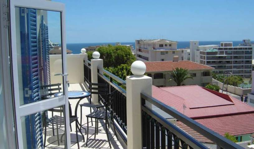 Fresnaye House - Get low hotel rates and check availability in Cape Town 8 photos