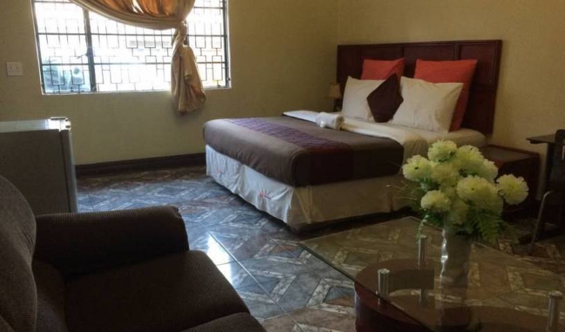 Grace and Gift Guesthouse - Search for free rooms and guaranteed low rates in Johannesburg 9 photos