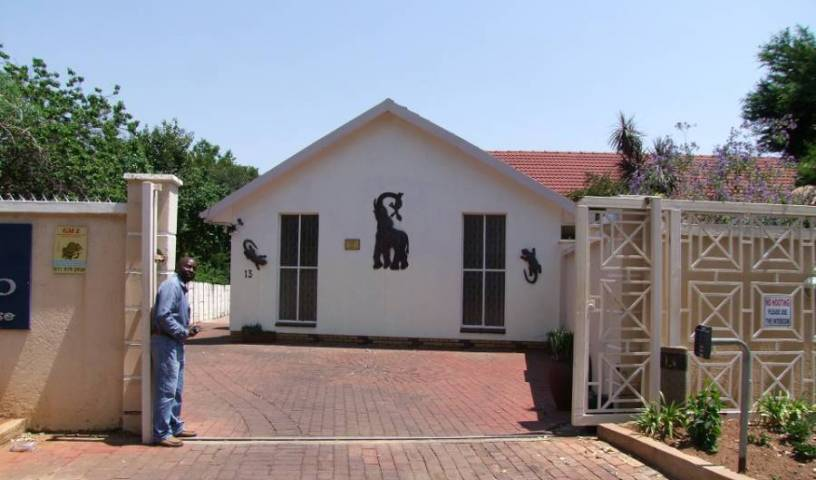 Kempton Park Country Lodge - Search available rooms for hotel and hostel reservations in Kempton Park 15 photos