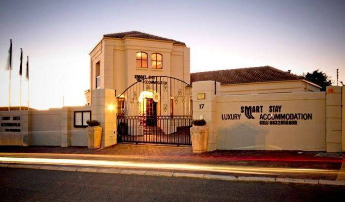 Smart Stay Apartment - Search for free rooms and guaranteed low rates in Somerset West 5 photos