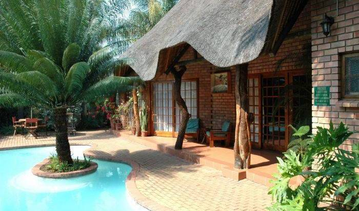 Trees Too Guest Lodge (Nr Kruger Park), cheap hotels 12 photos
