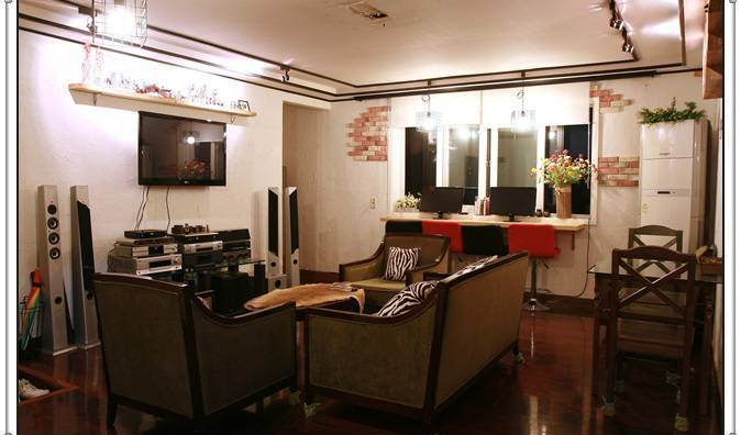 Come Inn Guesthouse - Get low hotel rates and check availability in Segyo-dong 13 photos