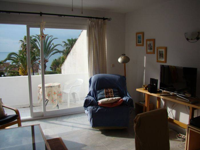Casa del Loro Bailador, Estepona, Spain, popular holidays in Estepona