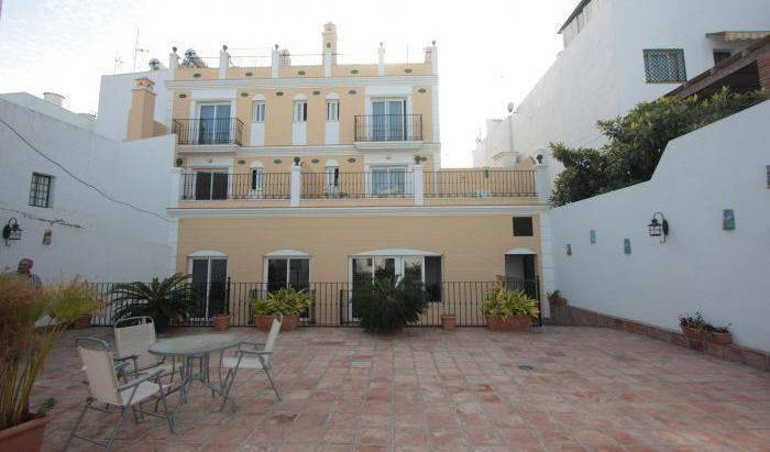 Apartamentos Nerjaluna - Search available rooms for hotel and hostel reservations in Nerja 22 photos