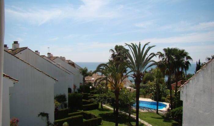 Casa del Loro Bailador - Search available rooms for hotel and hostel reservations in Estepona 9 photos