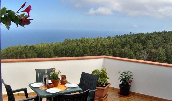 Finca Casa Blanca - Search available rooms for hotel and hostel reservations in Santa Cruz de Tenerife, safest hotels in secure locations 37 photos