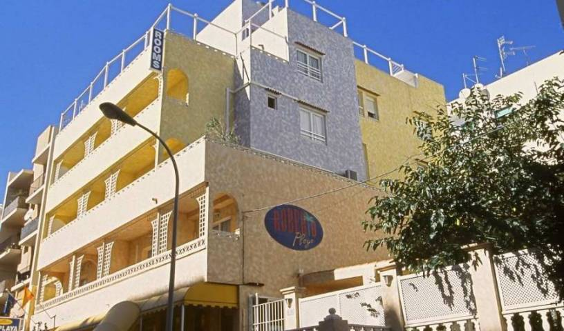 Hrs Roberto Playa - Search for free rooms and guaranteed low rates in Ibiza, backpackers and backpacking hostels 5 photos