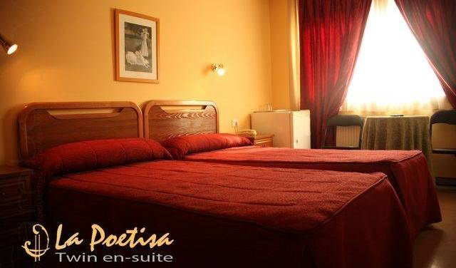 La Poetisa - Search for free rooms and guaranteed low rates in Culleredo 24 photos