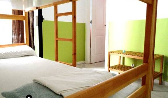 Oasis Backpackers' Hostel Sevilla, late hotel check in available 6 photos