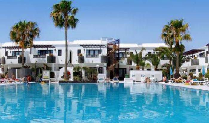 Plaza Azul - Search for free rooms and guaranteed low rates in Puerto del Carmen, holiday reservations 32 photos