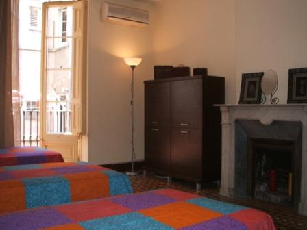 Gran Central Inn, Barcelona, Spain, youth hostels and cheap hotels, stay close to what you want to see and do in Barcelona