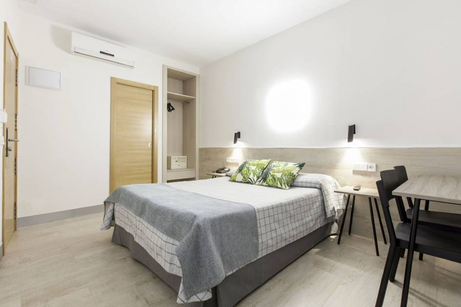 Hostal Castilla 2, Madrid, Spain, Spain hotels and hostels