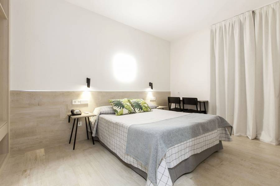 Hostal Castilla 2, Madrid, Spain, this week's hot deals at hotels in Madrid