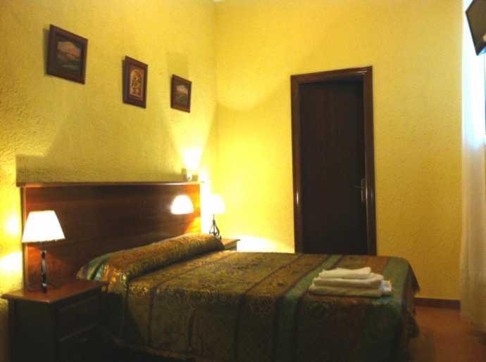 Hostal Giraldilla, Sevilla, Spain, Spain hotels and hostels