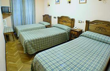 Hostal Madrid, Madrid, Spain, hostels with travel insurance for your booking in Madrid