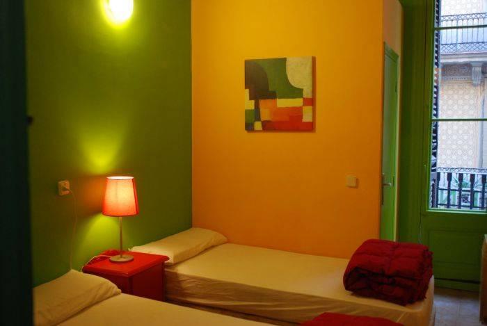 Hostal V Downtown, Barcelona, Spain, Spain hotels and hostels