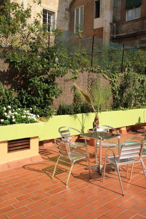 Hostal V Downtown, Barcelona, Spain, best hotels for parties in Barcelona
