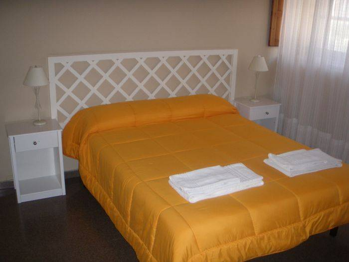 Hostel El Convent de Moncada, Moncada, Spain, compare reviews for hotels in Moncada