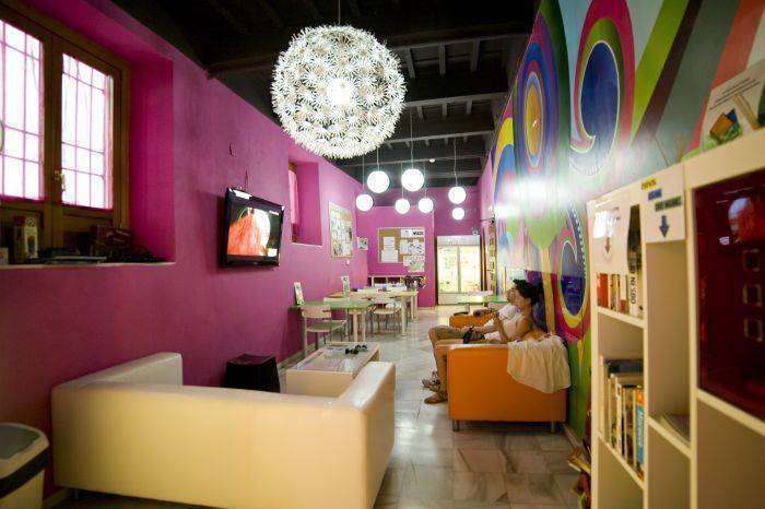 White Nest Hostel, Granada, Spain, holiday vacations, book a hotel in Granada