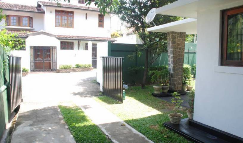 Mount Lavinia Home Stay - Search for free rooms and guaranteed low rates in Mount Lavinia 10 photos
