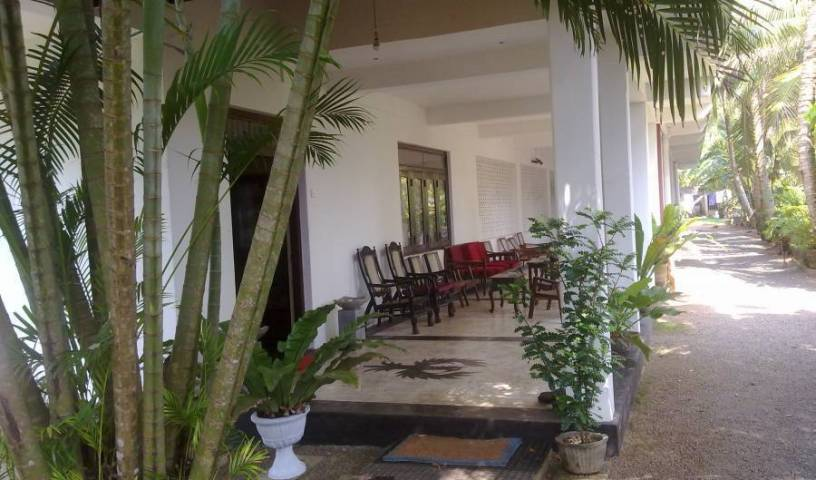 Sea Front - Get low hotel rates and check availability in Hikkaduwa 3 photos