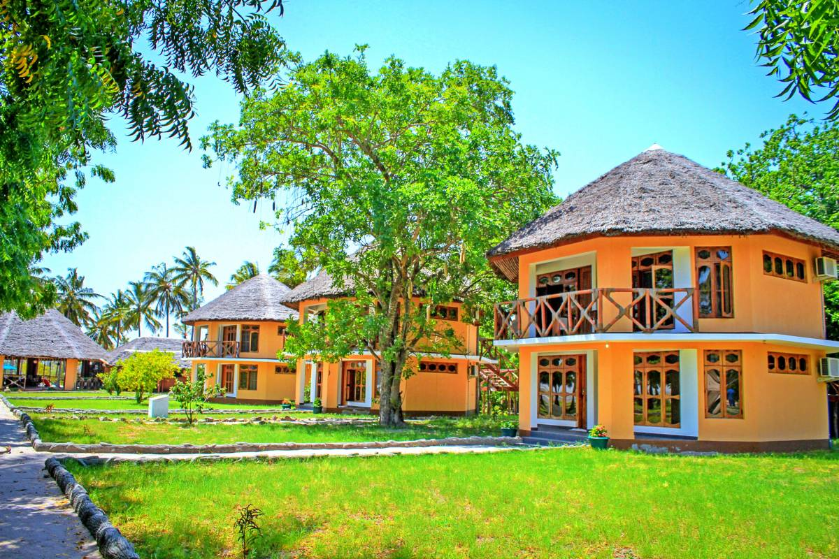 Saadani Park Hotel, Mkwaja, Tanzania, tips for traveling abroad and staying in foreign hotels in Mkwaja